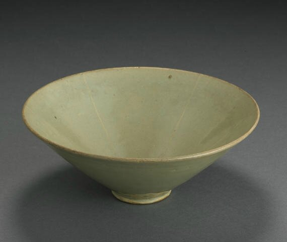 A celadon glazed conical bowl, Jin-Yuan dynasty