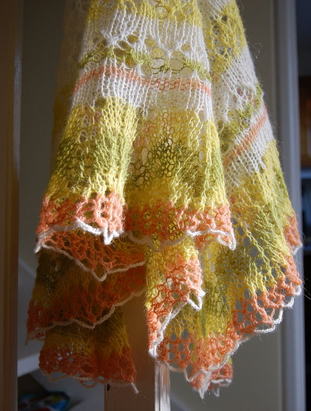 Icelandic Modern lace shawl printemps