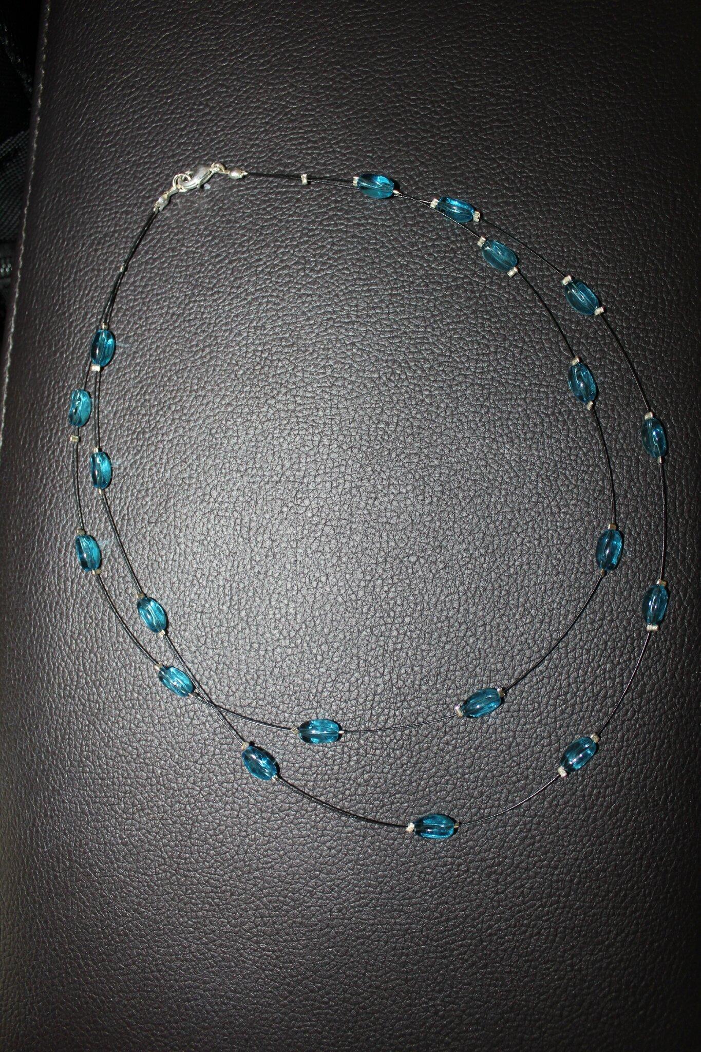 Collier turquoise en câble noir