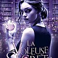 Library jumper, tome 1 : la voleuse de secrets de brenda drake #roussette
