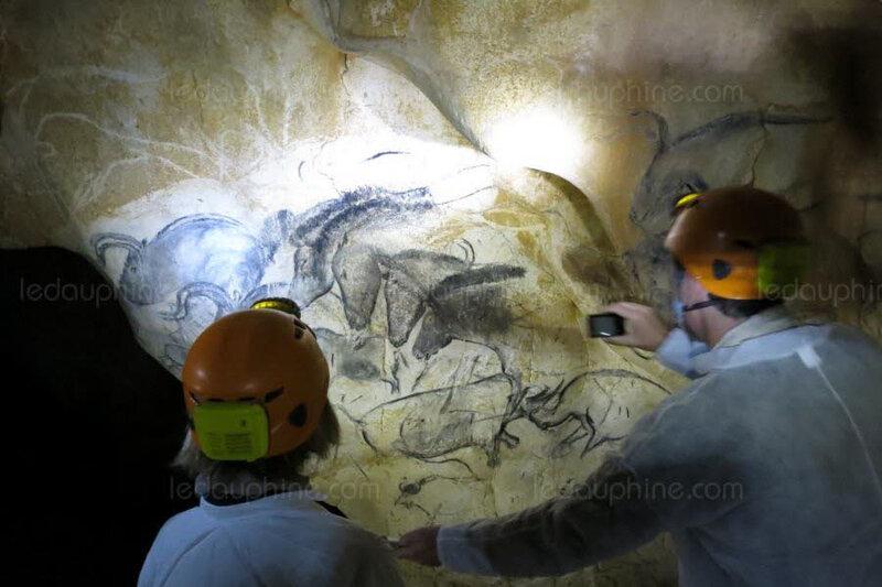 la-grotte-chauvet-abrite-quelque-mille-dessins-et-gravures-vieux-de-36-000-ans-photo-archives-le-dl-pierre-fayolle-1560462607