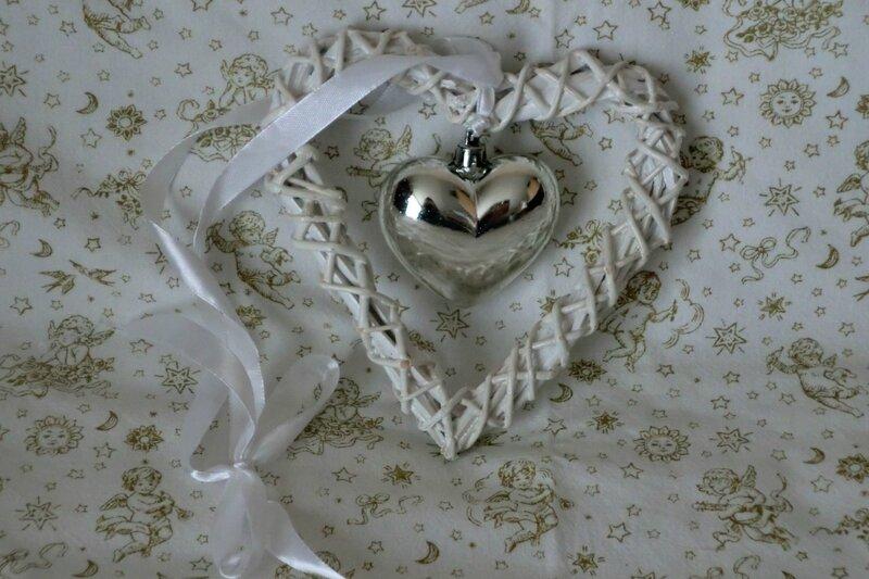calendrier de l'avent 2014 - 11 - suspension coeur blanc