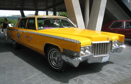Cadillac_fleetwood_1969_01
