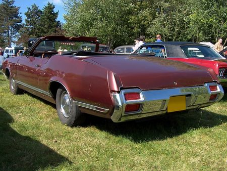 OLDSMOBILE_Cutlass_Supreme_Convertible___1971__2_