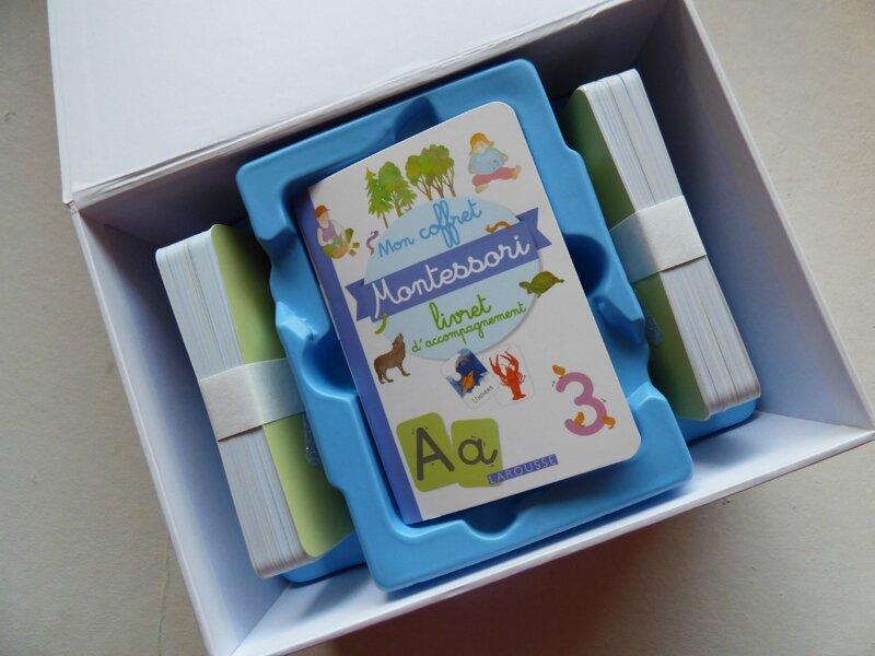 Mon grand coffret Montessori des lettres rugueuses 1