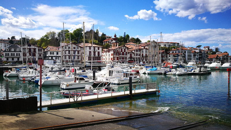 Saint-Jean-de-Luz, port de plaisance et Ciboure (64)