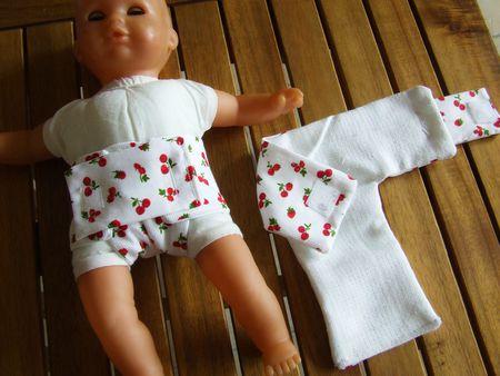 - Couche pour poupée (2)