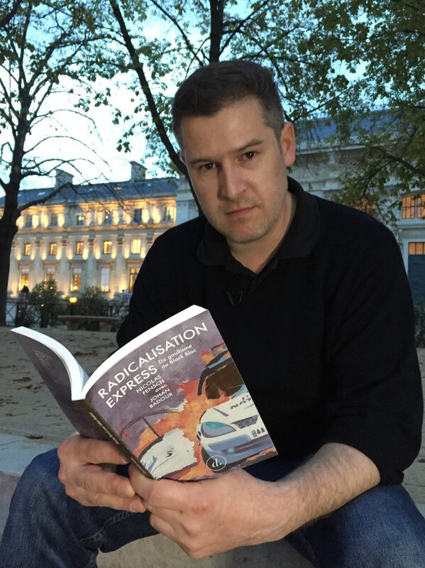 Nicolas-Fensch-photographie-devant-palais-justice-Paris-11-octobre_0_729_973