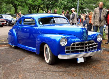 Ford_custom_coup__de_1947__Retrorencard_mai_2010__01