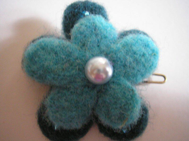 Barrette laine bleue turquoise