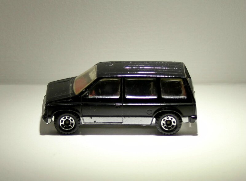 Dodge caravan de 1984 (Matchbox) 02