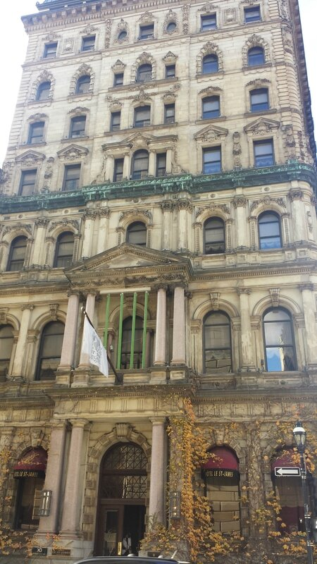 2015 11 07 (44) - balade dans le Vieux Montréal - Hôtel Saint-James rue Saint-Jacques