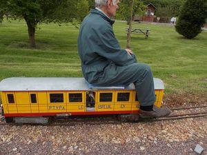 0437 Petit Train de la Vallée d'Auge le 18 mai 2013 JP-N