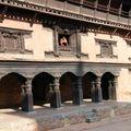 Dans le palais royal (Pathan)