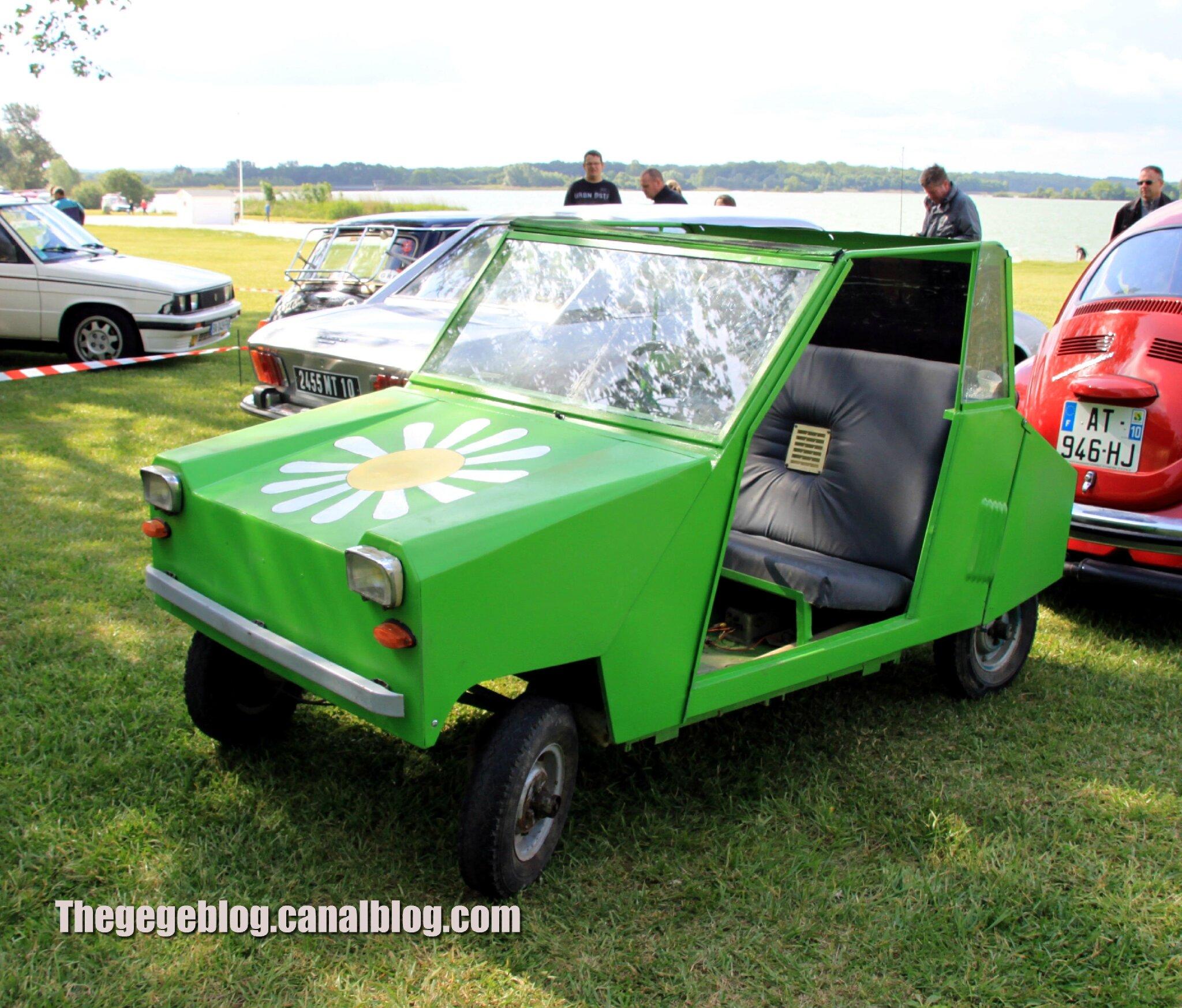 Practicar voiture sans permis (Retro Meus Auto Madine 2012) 01