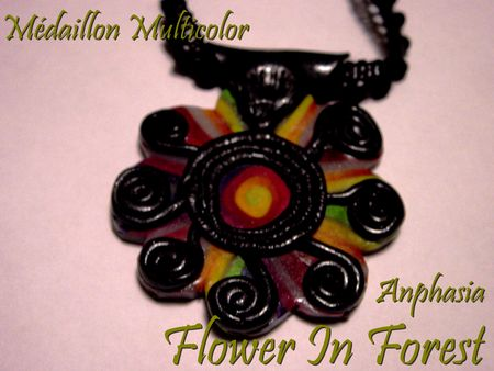 flower_in_forest_medaillon_multicolor