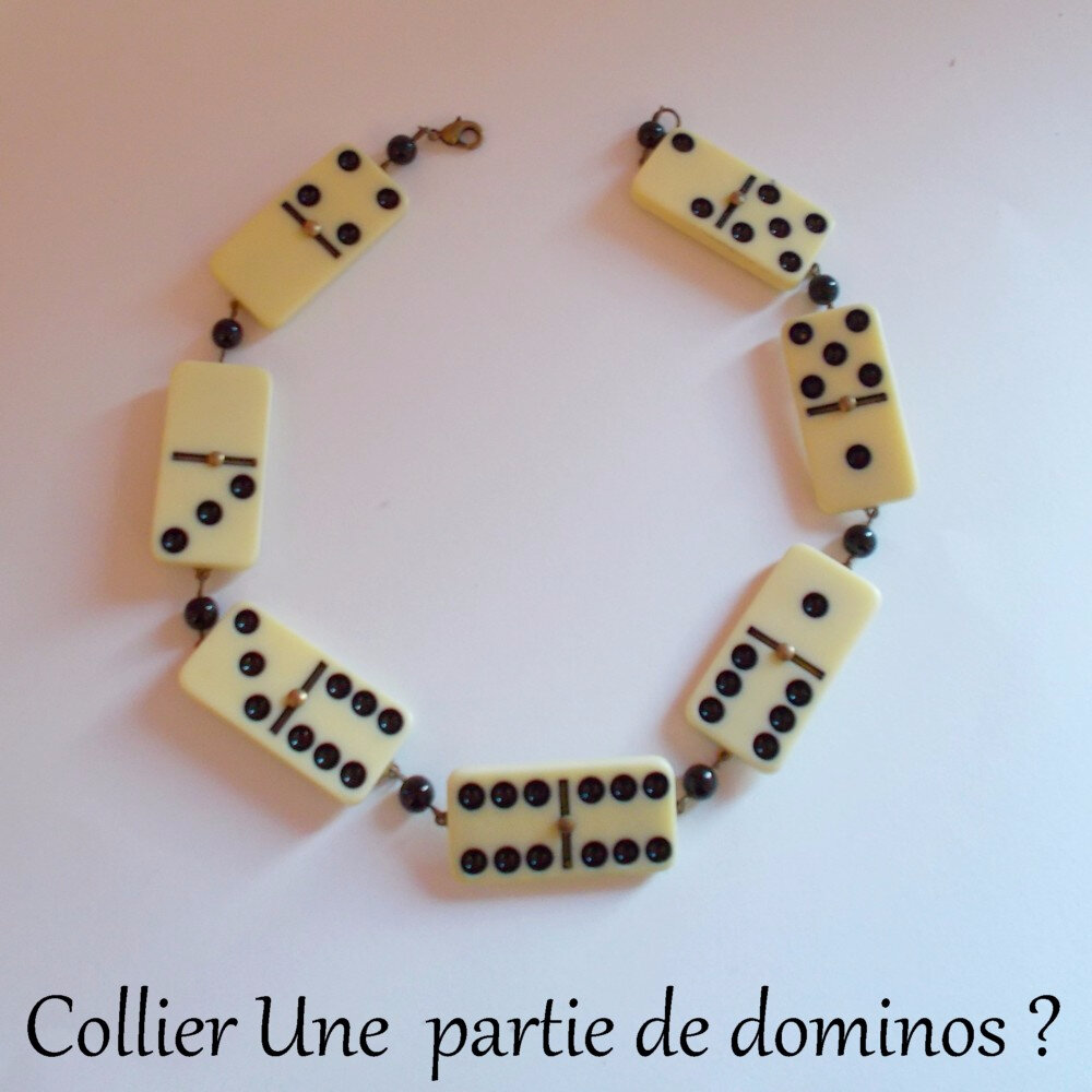Collier dominos
