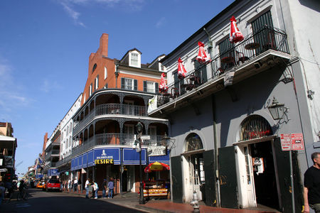 Louisiana_Bourbon_Street_2