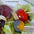 Tomates cerises enrobées de graines de pavot et de sésame