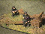 german_artillery_crew