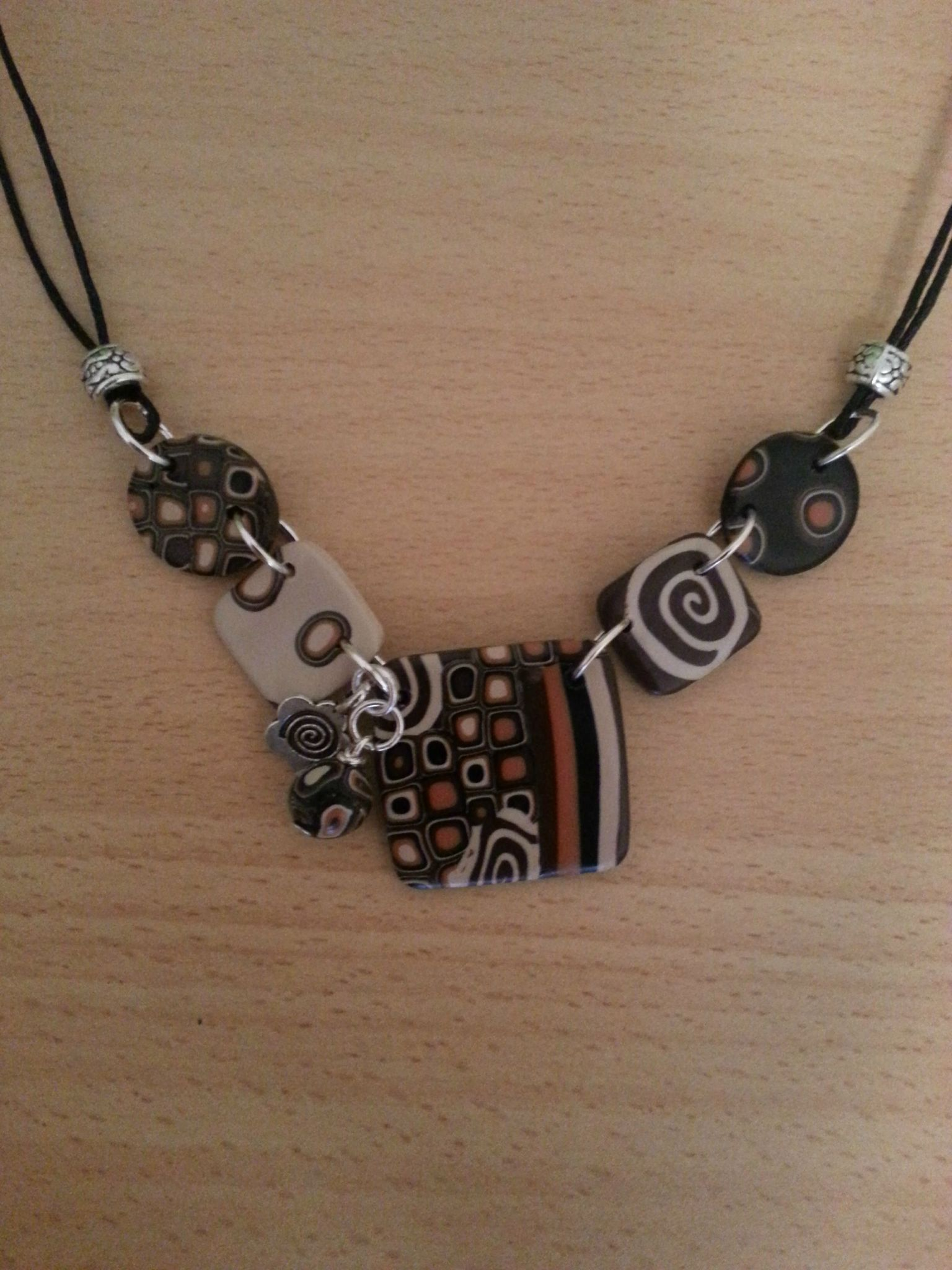 Collier 67