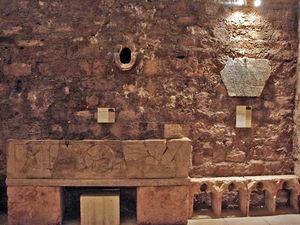 Abbaye_Saint_Victor__pitaphe_de_Volusianus_et_Fortunatus__Sarcophage_du_Christ_tr_nant_Marseille_100