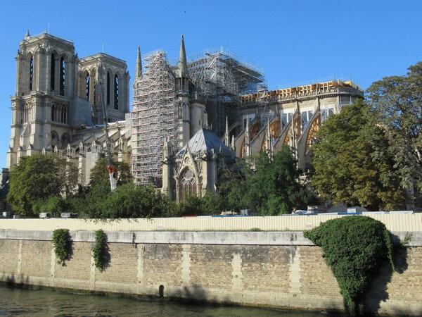 201908et09 Notre Dame en travaux