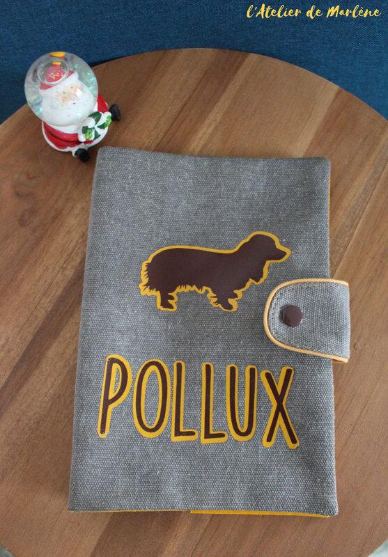housse de carnet de santé chien toutou personnalisée Pollux