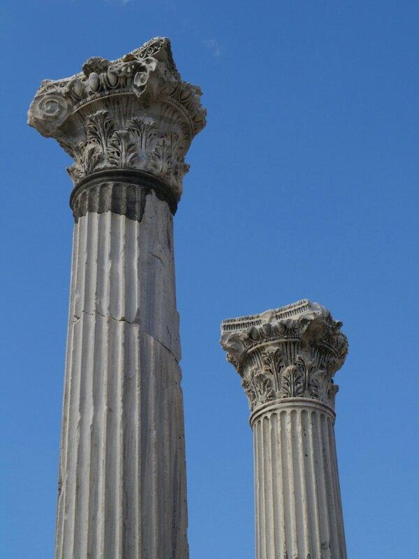 19 Colonnes corinthiennes Asclépion