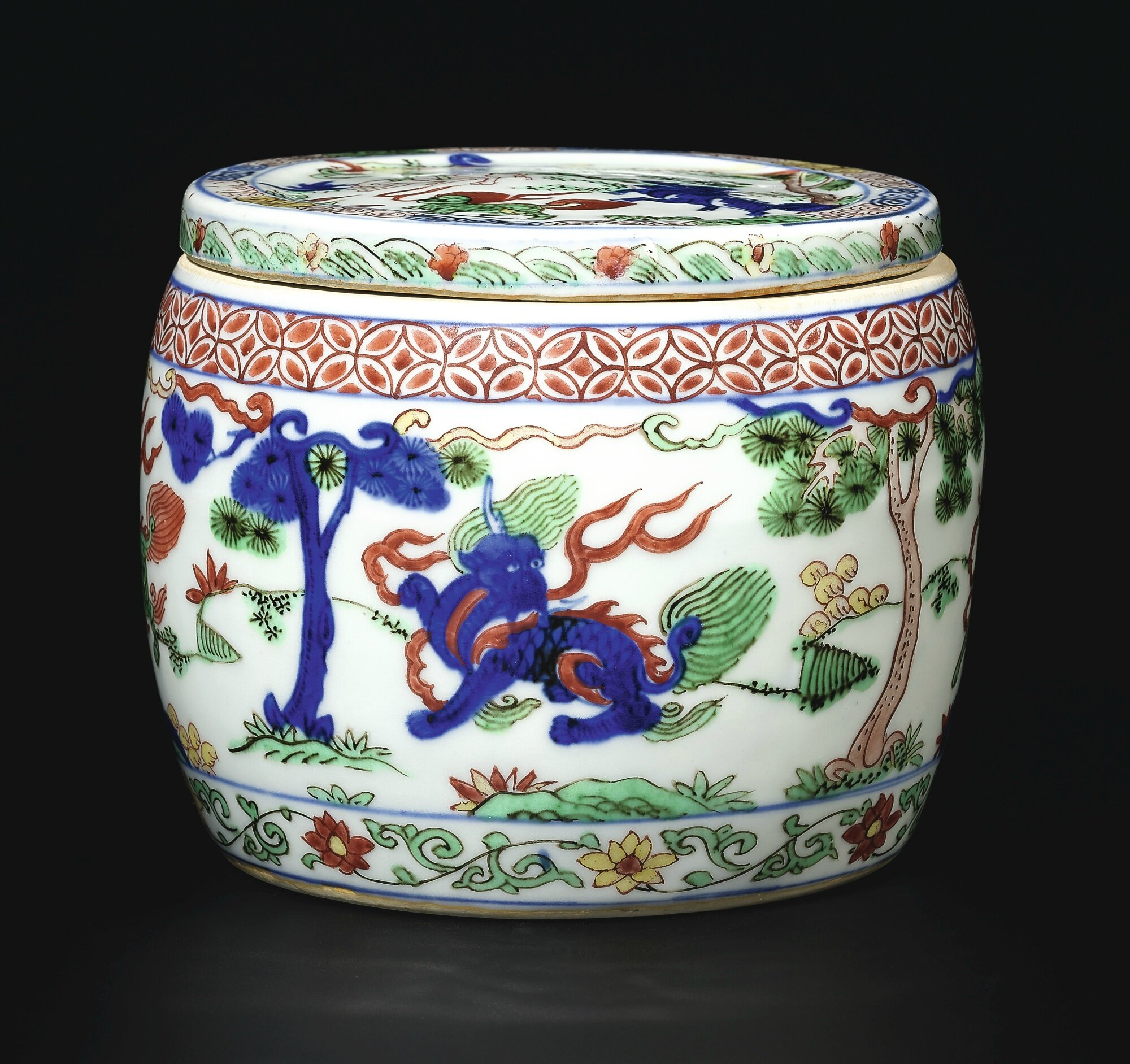 An outstanding and rare wucai 'mythical beast' jar and cover, Mark and period of Wanli (1573-1619)