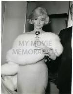 1960-MONROE__MARILYN_-_1960_GOLDEN_GLOBES369-by_darlene_hammond
