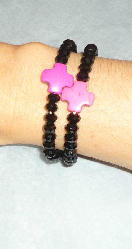 Bracelet 'Croix Howlite' et Swarovski noires