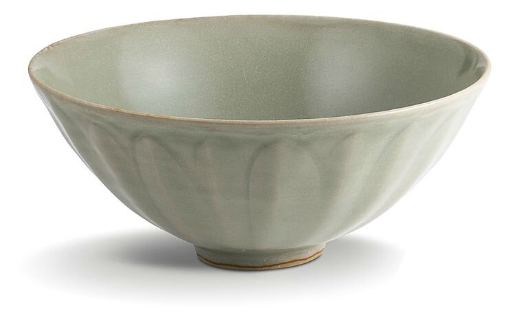 A 'Longquan' celadon bowl, Song Dynasty