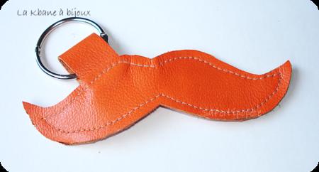 porte clef moustache cuir orange