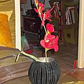 vase boule noir