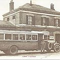 L'autobus de la ligne Lison/Isigny sur mer devant l'hotel de la