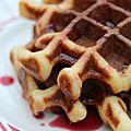 Cake mix waffles ou gâteau au gaufrier.