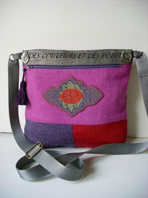 SAC MEDAILLON PERLE VIOLET ROUGE bis