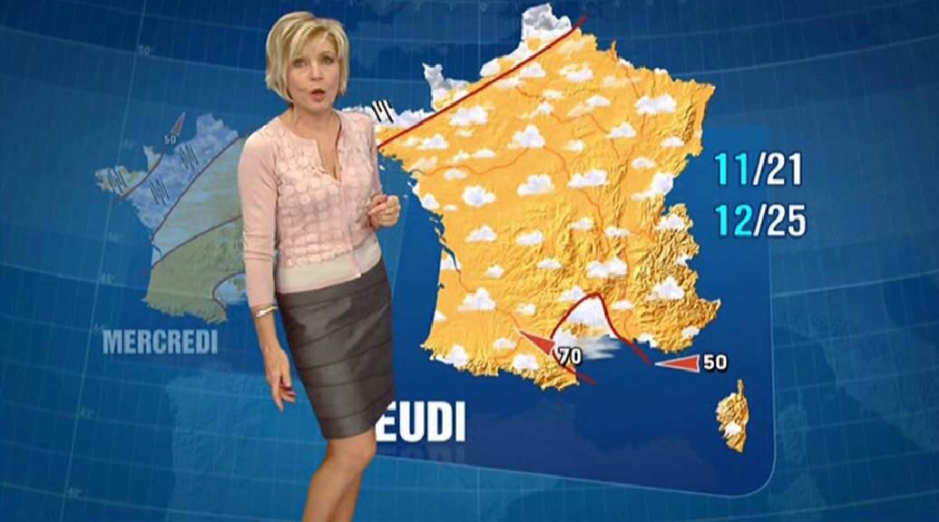 Evelyne Dhéliat jupe grise haut rose 3120 04 10 10