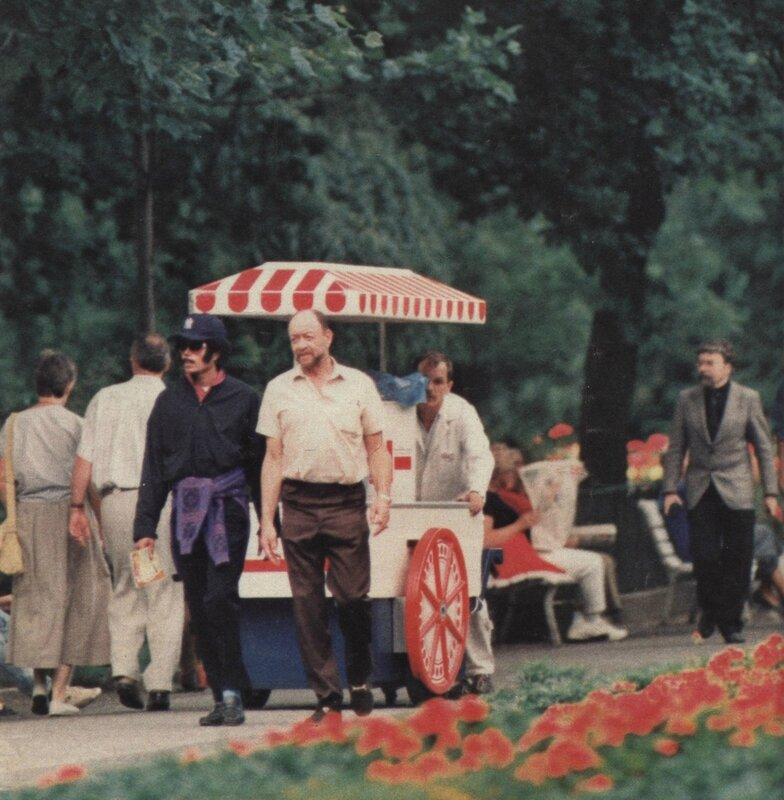 Michael Jackson Visiting the Berlin Zoo 1988 (5)