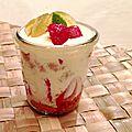 Tiramisu de printemps aux fraises et menthe du jardin