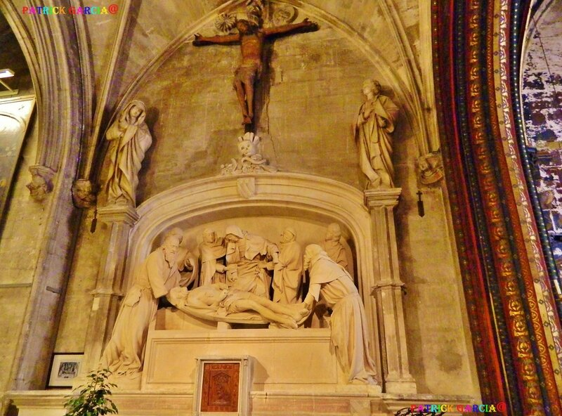 AVIGNON BASILIQUE ST PIERRE INT M-TOMBEAU 998 copie