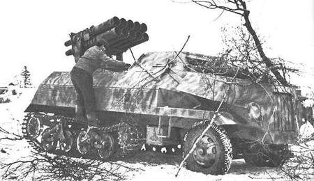 Panzerwerfer_42-AufM-Pix-4