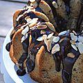 Bundt cake banane, chocolat et amandes