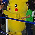 Une mascotte Pikachu