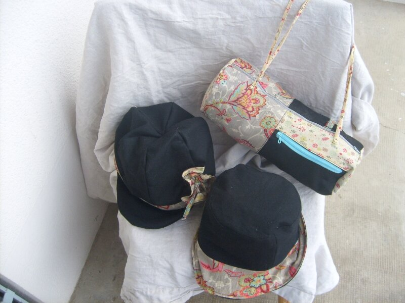 sac cylindre,casquette et cloche assorties