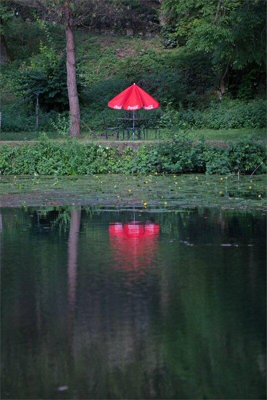 ville parasol Coca reflet eau 100