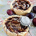 La tarte prunes et crème noisette
