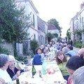 A Chédigny dîner de rue 2007 et feu de la Saint Jean !