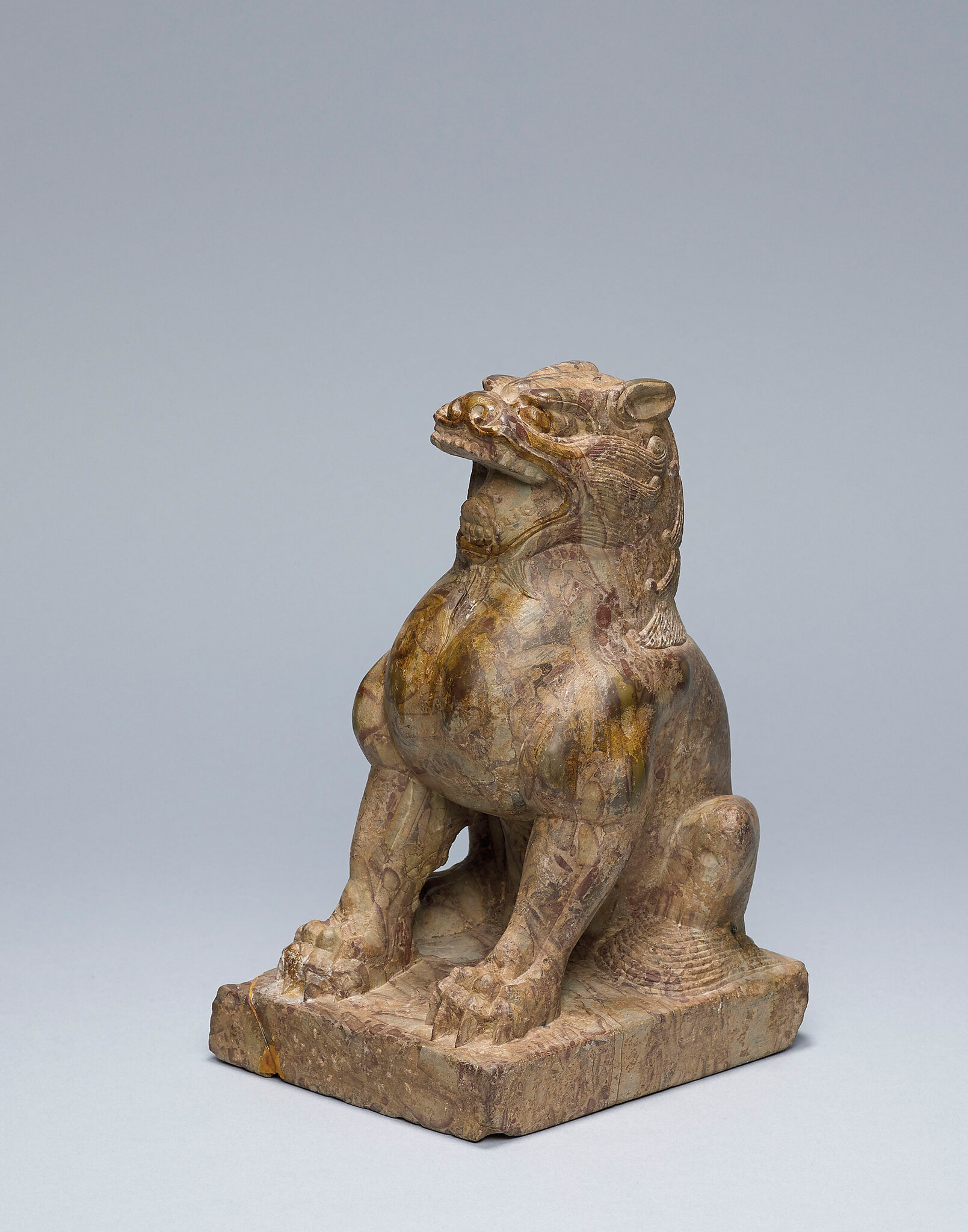 2015_HGK_03406_0149_000(a_puddingstone_figure_of_a_seated_lion_five_dynasties)